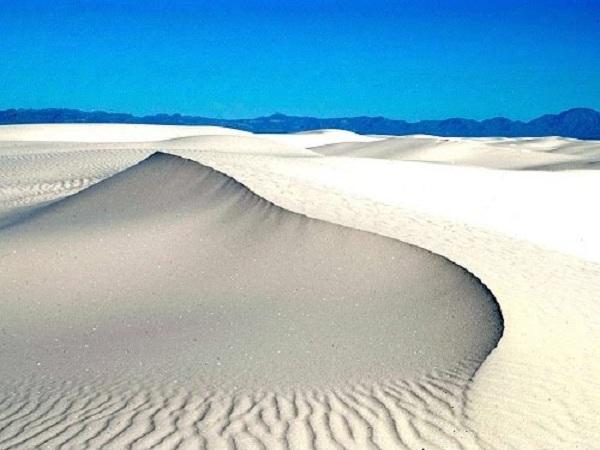 Nằm mơ thấy cát trắng đánh con gì?